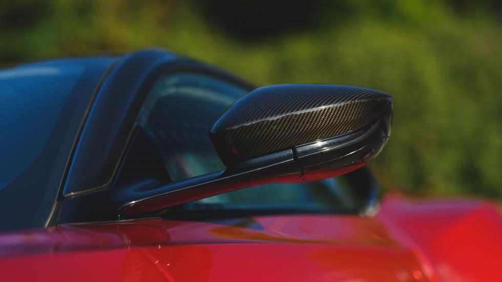 ¿El DBS Superleggera será rival del AMG S65 o del Ferrari 812?.